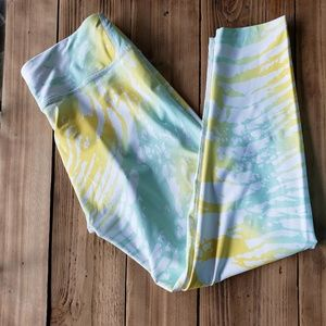 Colorful Fabletics capri yoga pants